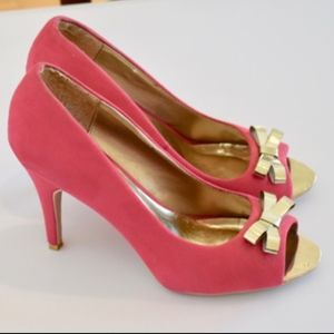 d7f79396176 D hot pink 4 inch heels with metallic gold bows 10